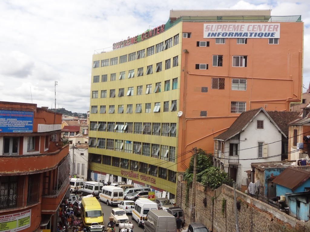 Suprême center : ordinateur portable à Antananarivo