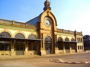 L'ancienne gare de Soarano sert d'enceinte au Café de la Gare