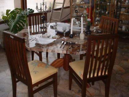 Hazovato - Table