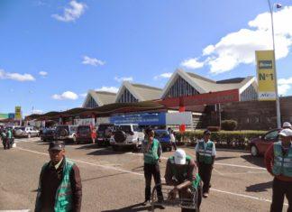 Aéroport d'Antananarivo, porteurs