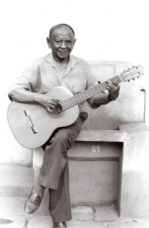 Le virtuose Étienne Rambotiana, maître du fondateur de l'EGM