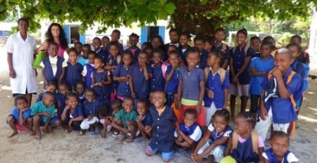 Les enfants de Ravoraha scolarisés grâce à l'écolodge