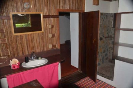 Hôtel Boraha Village, salle de bain