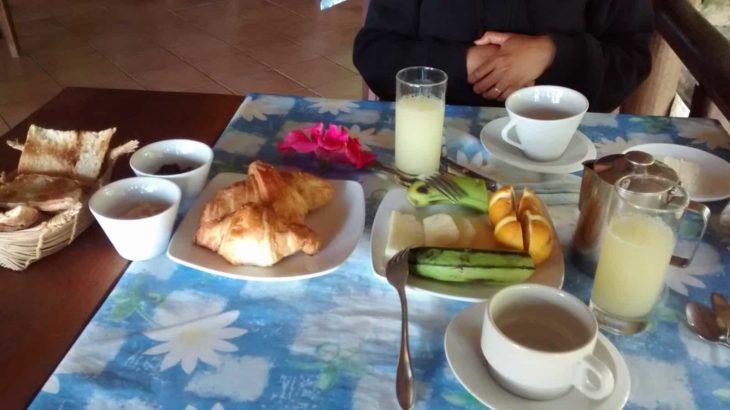 Petit déjeuner à l'hôtel Lakana