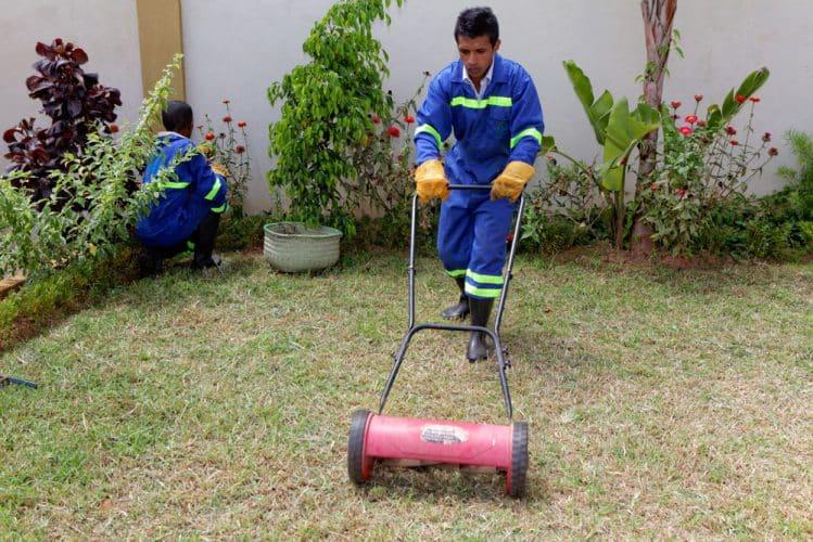 HK Services, Entretien de jardin