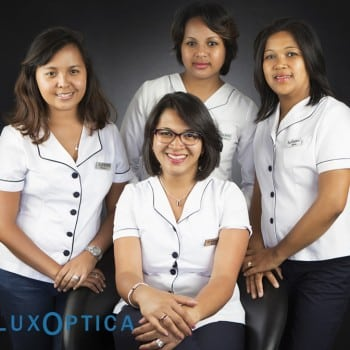 LuxOptica, professionnels
