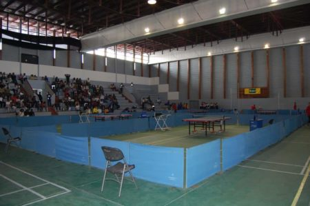 Ping-pong aux CJSOI, stade couvert d'Ankorondrano
