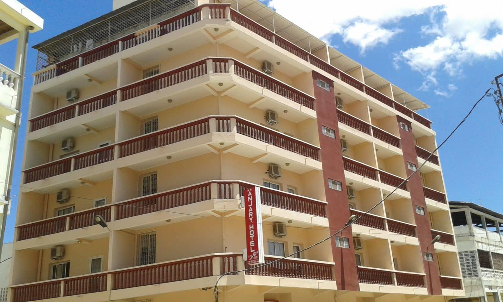 Anjary h tel majunga h tel 3 toiles en plein centre for Hotel 3 etoiles
