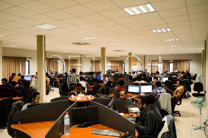 Grande salle de travail eTech