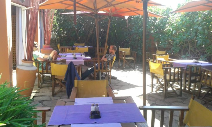 Le B restaurant avec terrasse