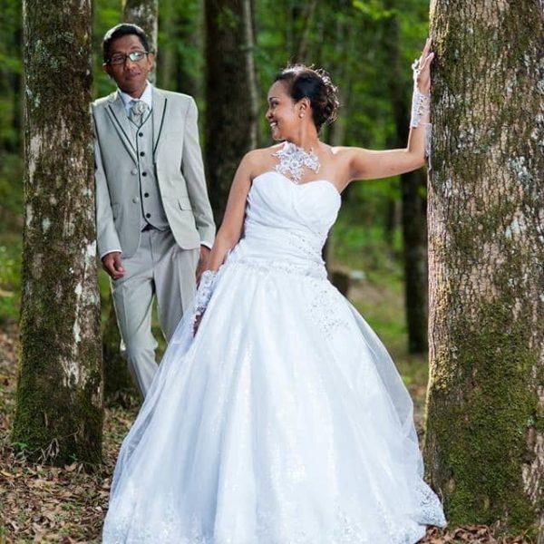 Robe de mariée par Lucienne Mariage