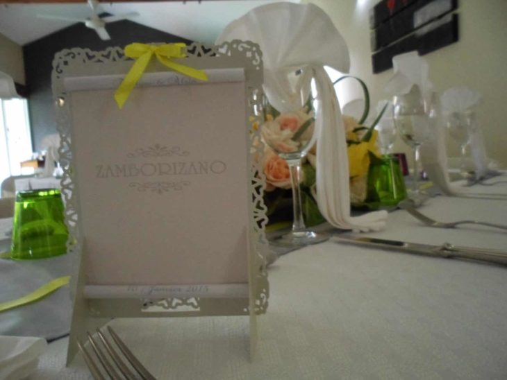 Traiteur et décoration de table assurés par Mariage.mg