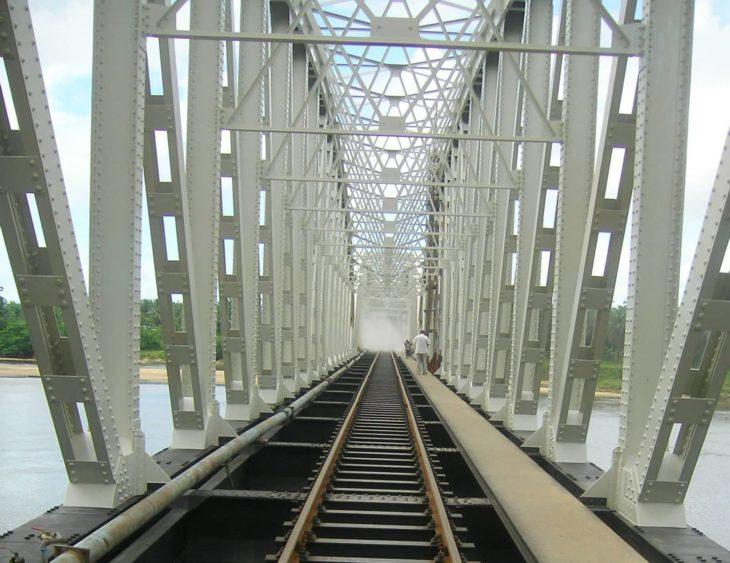 Pont métallique réalisé par OTI
