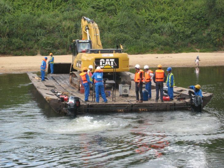 Réalisation d'un pont flottant OTI