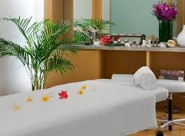 Salle de massage par Kanto Beauté & Spa