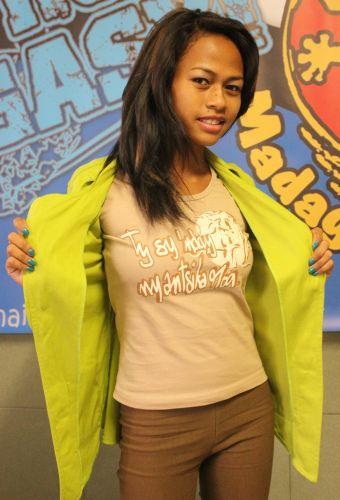 Tee-shirt pour femme Tishanaka