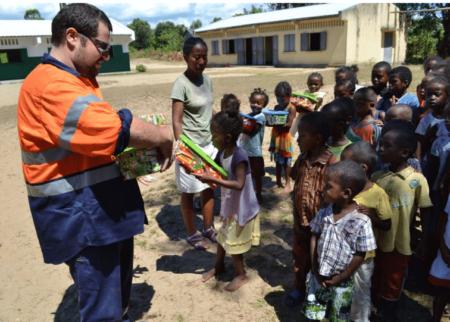 Aide humanitaire par Rent501