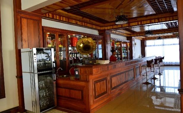 La bar de l'Asia and Africa Hotel